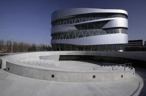 1)_Voorzijde_Mercedes-Benz_Museum