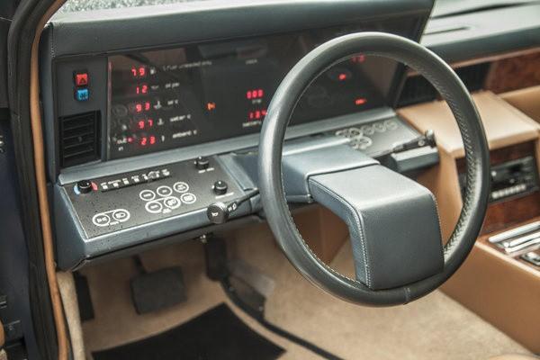 Aston Martin Lagonda 01