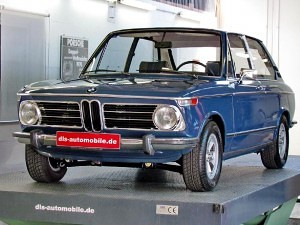 BMW-2000-Tii-Touring-01