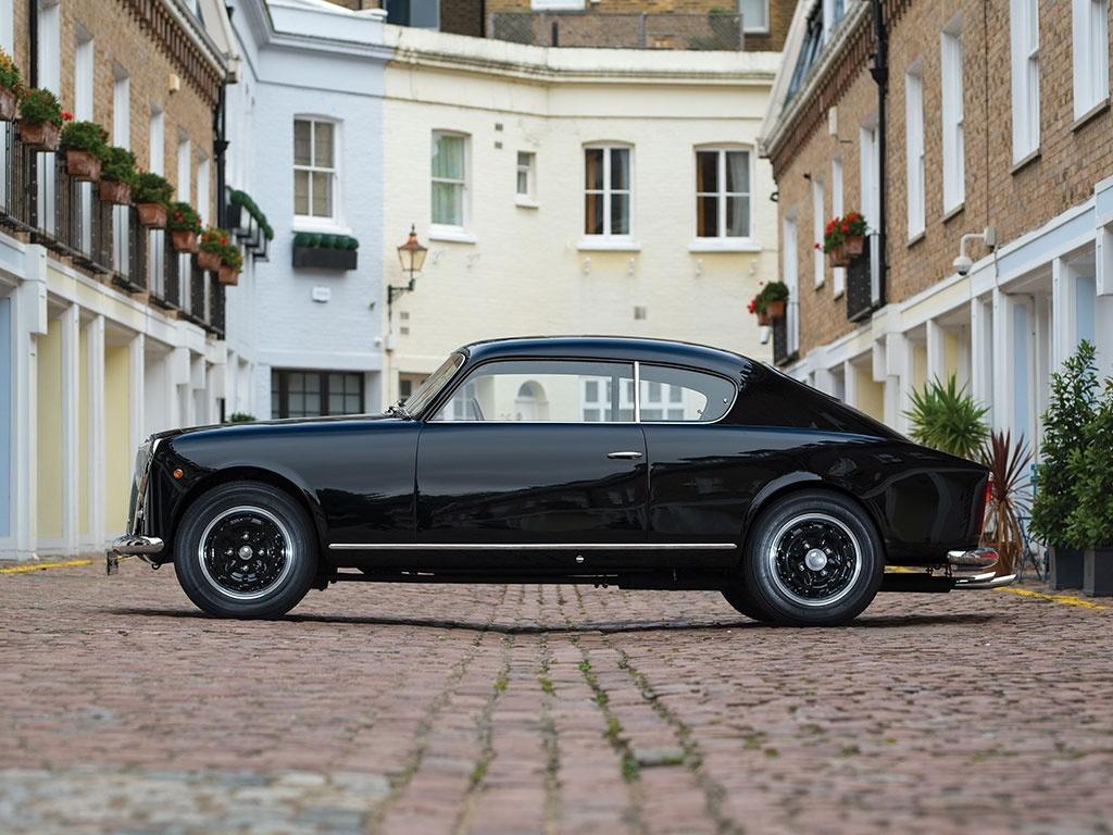 http://www.thecoolcars.nl/wordpress/wp-content/uploads/Lancia-Aurelia-B20-GT-Series-2-07.jpg