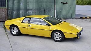 Lotus Esprit S1 02