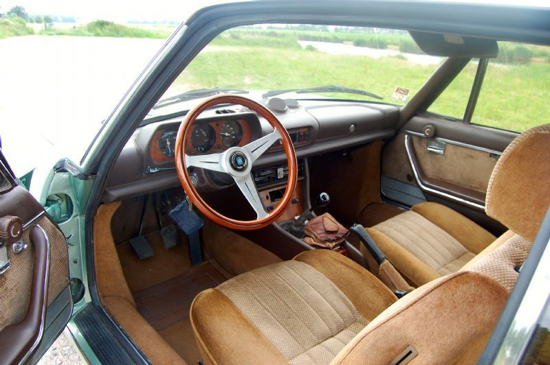 consignatie oldtimer of youngtimerpeugeot 504 coupe 2 7 v6 ti 04. Black Bedroom Furniture Sets. Home Design Ideas