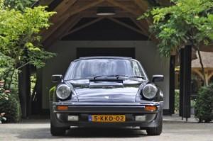 Porsche 911 3.3 Turbo 01
