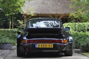 Porsche 911 3.3 Turbo 02
