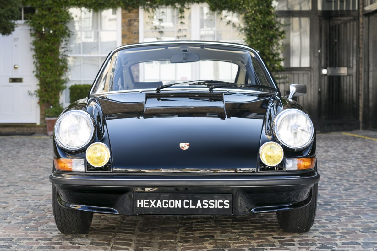 consignatie oldtimer of youngtimerporsche 911 carrera 2 7 rs touring. Black Bedroom Furniture Sets. Home Design Ideas