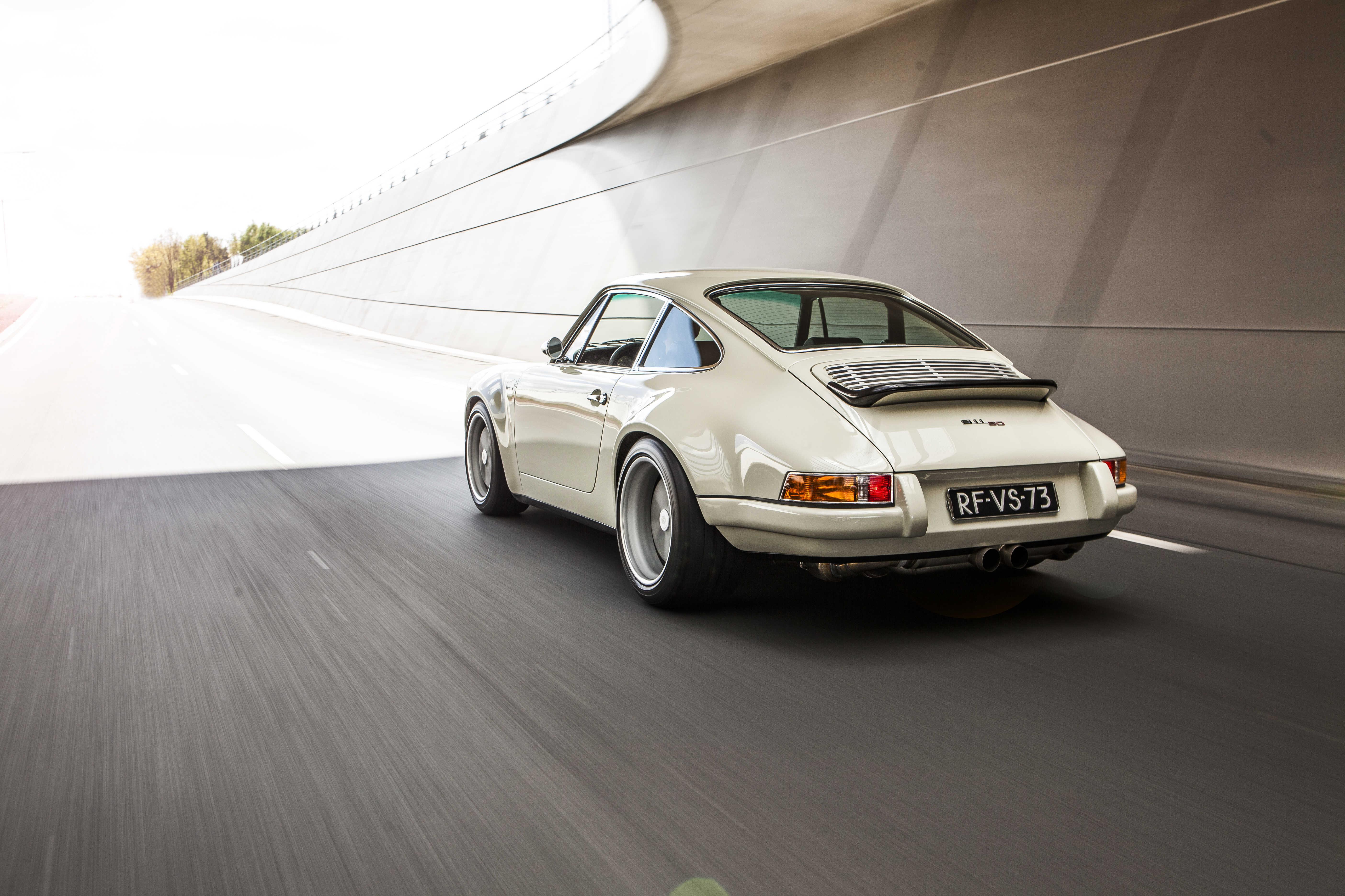 Porsche 911 Von Schmidt #001 17