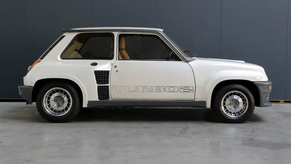 r5 turbo 2 renault 5 turbo 2 k l nleges aut k top 10 renault 5 turbo 2 cabroworld 1983. Black Bedroom Furniture Sets. Home Design Ideas
