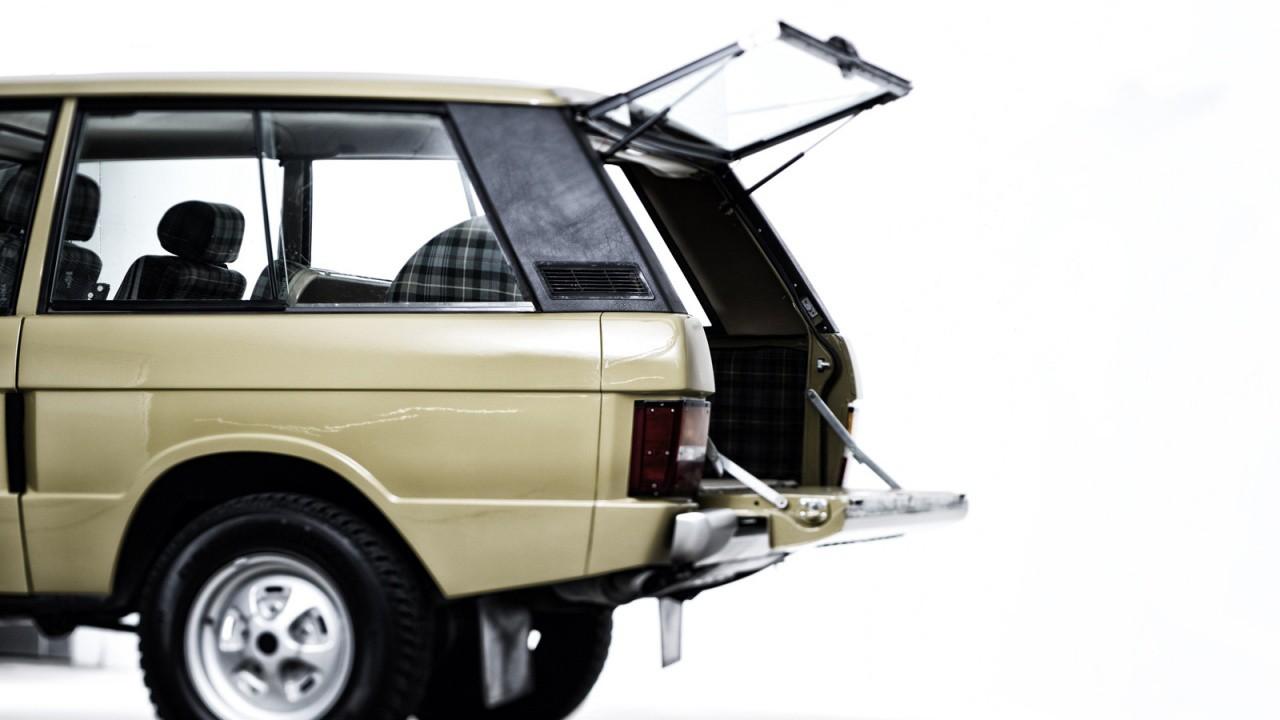 consignatie oldtimer of youngtimerrange rover v8 1974. Black Bedroom Furniture Sets. Home Design Ideas